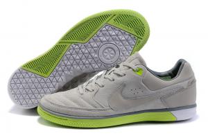 کفش فوتبال خیابانی