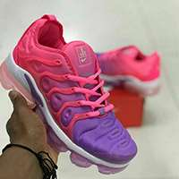 'کتانی رانینگ نایک ایر واپرمکس              Nike Air Vapormax Plus Pink Purple '