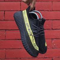 'کتانی رانینگ ادیداس ایزی      Adidas Yeezy 350 V2 Black Yellow'