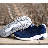 کفش کتانی رانینگ  نیوبالانس  New Balance shoes