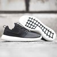 کفش کتانی رانینگ نایک nikelab roshe two leather prm 876521-001